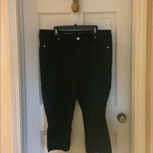 Avenue Black Legging Capris Size 20